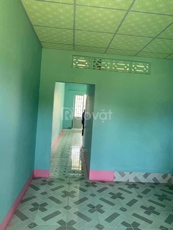 Bán nhà gần phòng công chứng Đức Hòa