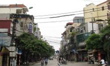 Nhà mặt phố Nguyễn Chí Thanh mặt tiền rộng, giá tốt