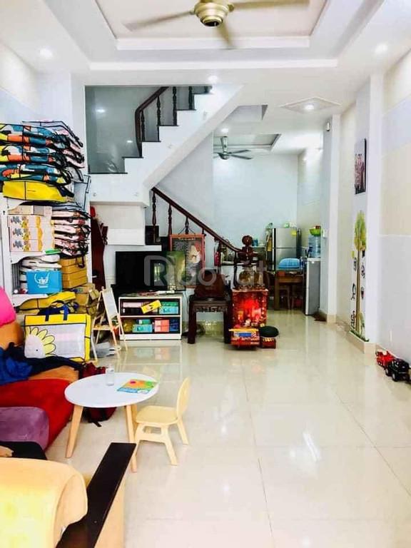 Nhà 4 tầng kế bên hXH đường Hoa Sứ P7 Phú Nhuận, giá 5.6 tỷ