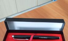 Cung cấp bút quà tặng in khắc tên logo giá rẻ
