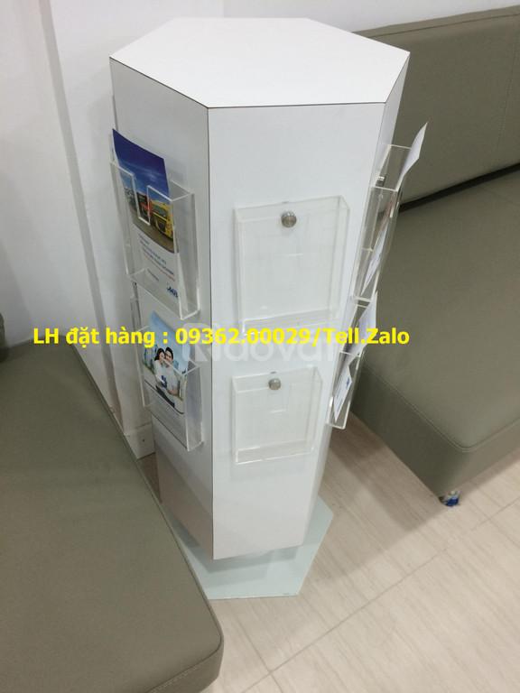 Sản phẩm kệ mica đựng tờ rơi, tài liệu giá rẻ tại Hà Nội