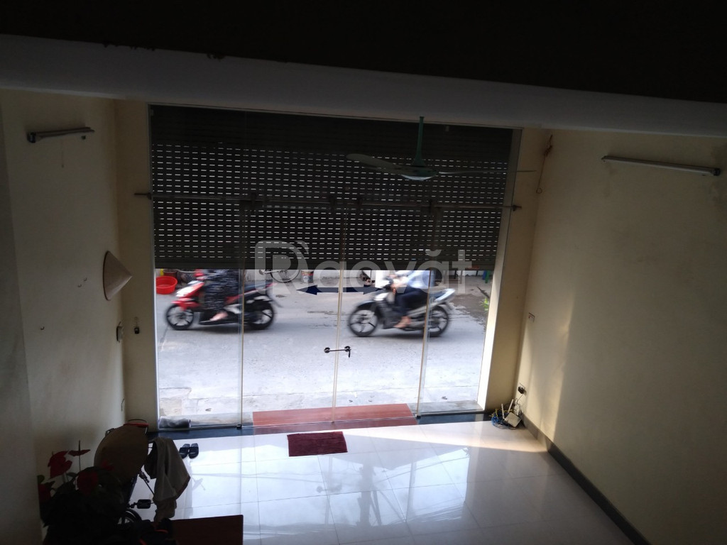 Cho thuê MB 50m2 Vương Thừa Vũ, ô tô đỗ cửa