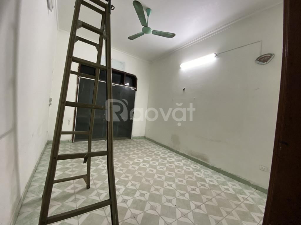 Cho thuê nhà 2 mặt ngõ tại 203 Chùa Bộc, DT60m x 4T, giá 20tr/tháng