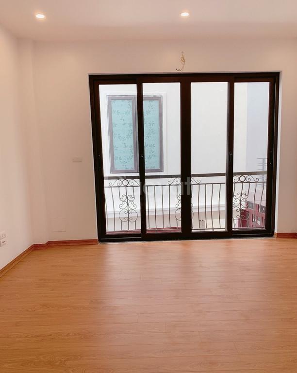 Bán nhà 30m2 xây 5 tầng, Phúc Lợi, Long Biên, Hà Nội giá 1,866 tỷ