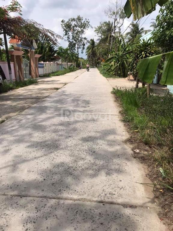 Đất đẹp mặt tiền đường Lộ Đan, xã Hữu Định, 100% thổ cư