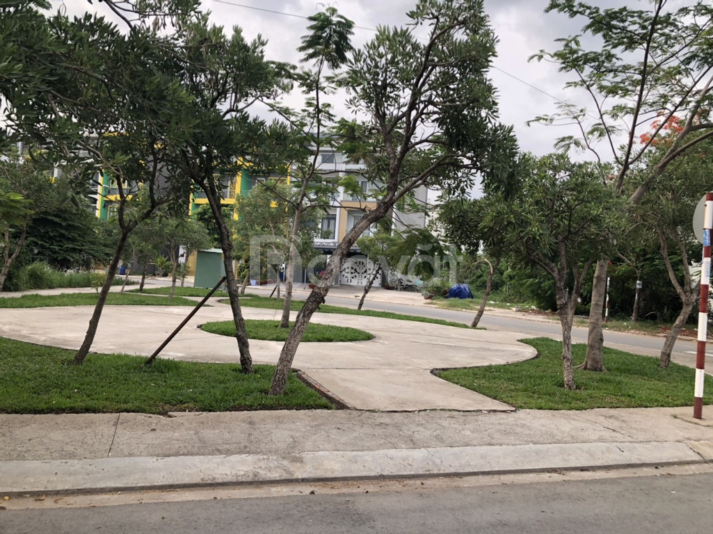 Bán gấp nền biệt thự vườn đối diện khu sinh thái 15ha