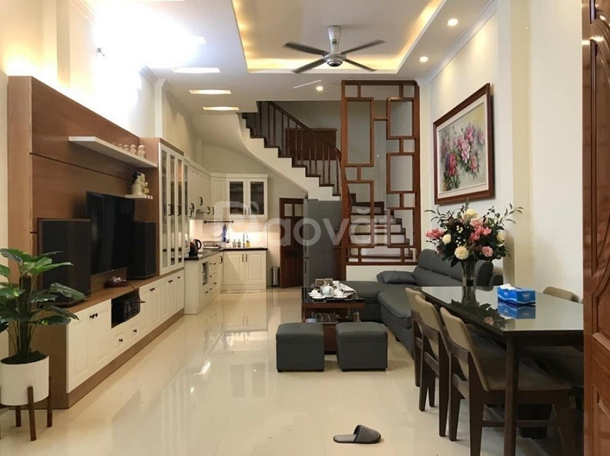Cần bán nhà 5 tầng x 36 m2 , 2 mặt thoáng tại Vũ Tông Phan