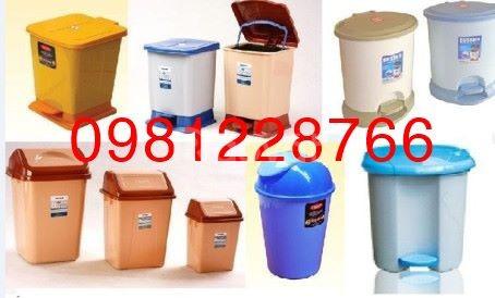 Giá thùng rác nhựa Paloca