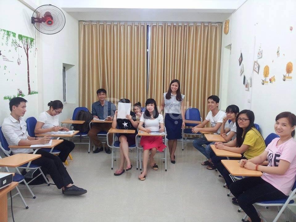 Tiếng Anh giao tiếp 1 giáo viên kèm 1 học viên cho người lớn tuổi