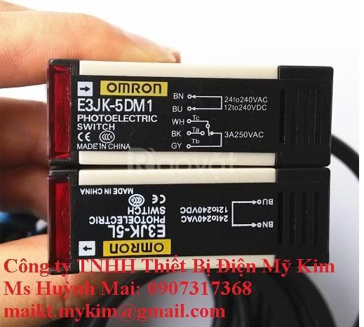 Cảm biến quang Omron E3JK-5M1