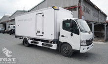 Xe tải Hino XZU730L thùng bảo ôn, xe mới 2020, trả góp 80%