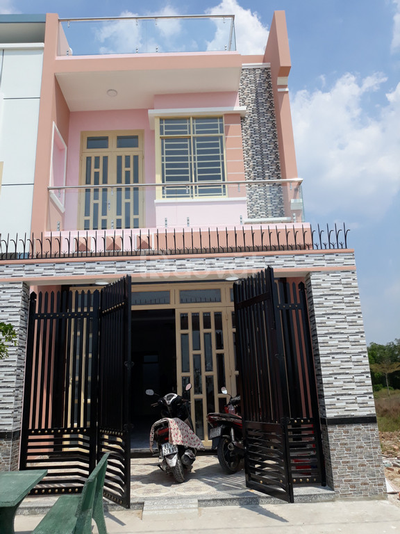 Chính chủ cần bán gấp căn nhà 1 lầu, 3 phòng ngủ, diện tích 5x18