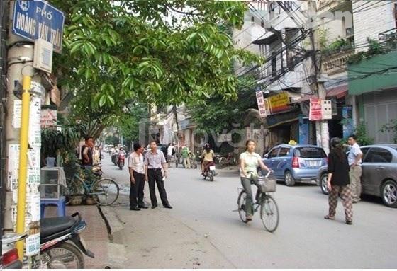 Cho thuê cửa hàng mặt phố, 32 Hoàng Văn Thái, Hà Nội