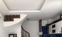 Gia đình cấn bán gấp nhà 5 tầng chia lô ngõ 444 Đội Cấn, giá rẻ