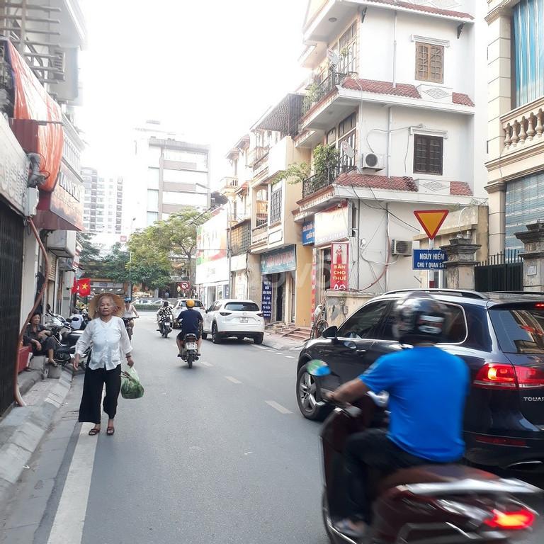 Bán đất mặt ngõ đường Hoàng Như Tiếp DT 60m2 Đông Nam ngõ rộng ô tô