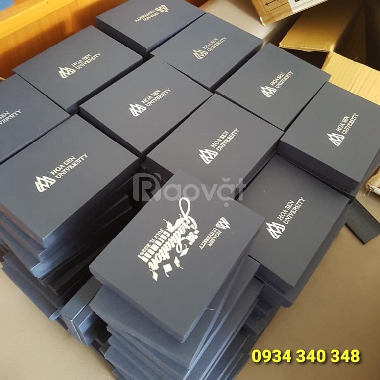 Cung cấp bộ gift quà tặng bút kim loại và hộp namecard giá rẻ