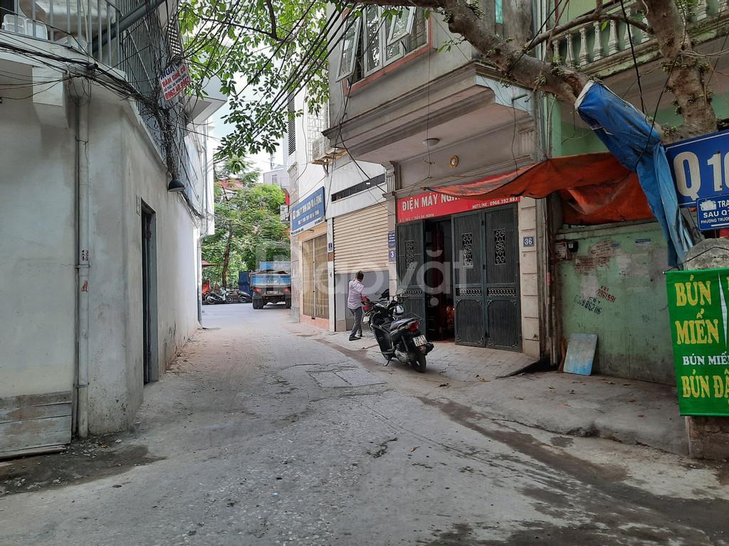 Bán nhà ngõ 67 Lê Thanh Nghị, HBT, Hà Nội, DT 61m2x3T mặt tiền rộng giá 5,1 tỷ