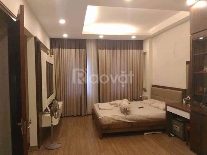 Cần bán gấp nhà 5 tầng + kinh doanh tại Hoàng Văn Thái