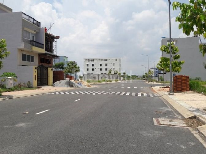 Cần bán lô góc 2 mặt tiền đường lớn 30m nằm kv Bình Chánh bao sang tên