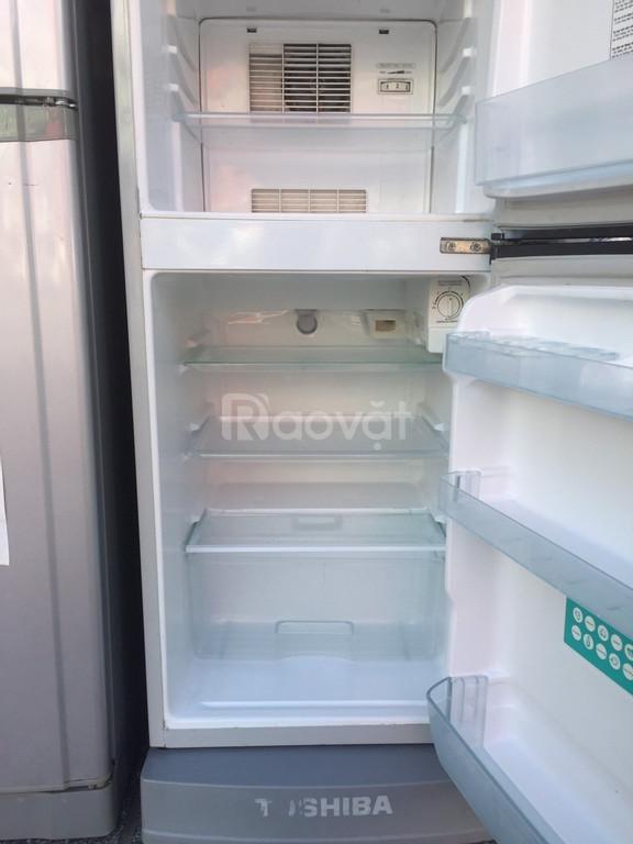 Tủ lạnh Toshiba 152 lít, kèm chân nhựa (ảnh 1)