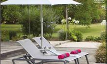 Bàn ghế ngồi bể bơi, giường nằm tắm nắng