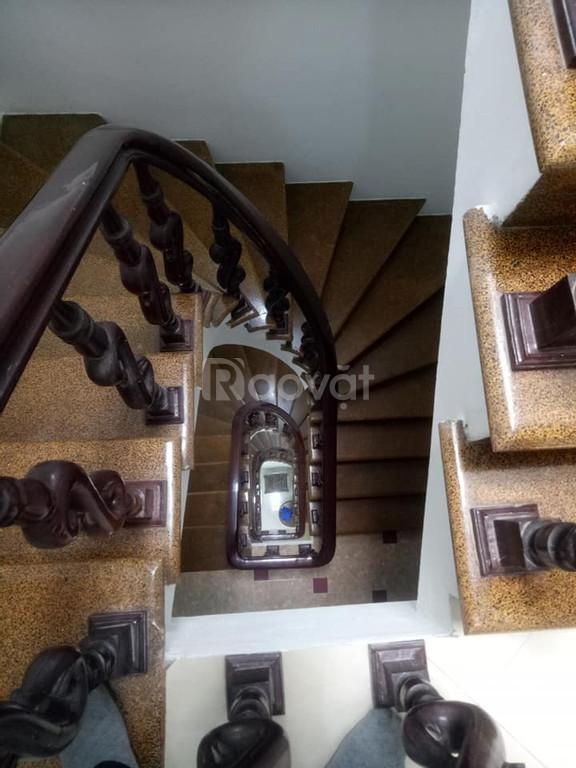 Nhà phố Lê Duẩn, DT 40 m2, 5 tầng, 6 ngủ, giá nhỉnh 3 tỷ