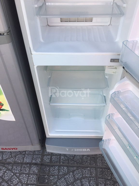Tủ lạnh Toshiba 152 lít, kèm chân nhựa (ảnh 2)
