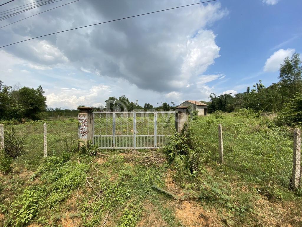Chính chủ cần bán lô đất vị trí đẹp, giá rẻ tại Định Quán, Đồng Nai.