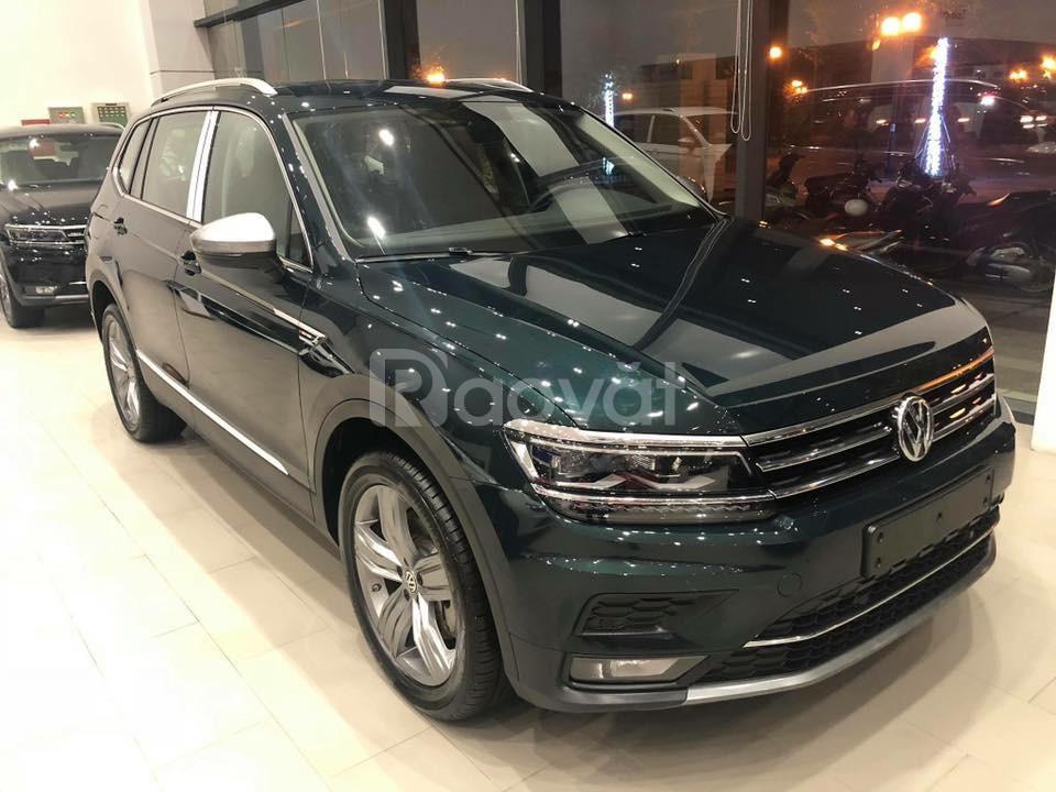 Volkswagen Tiguan Luxury - Suv Đức 7 chỗ