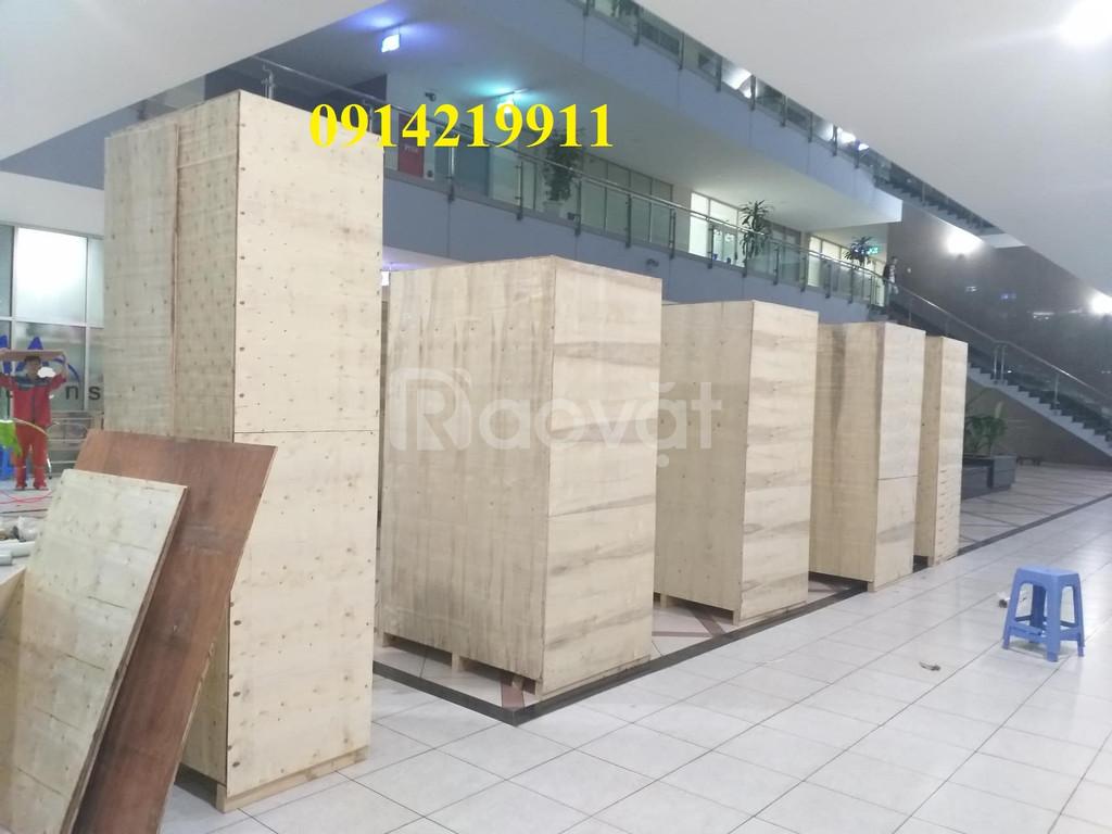 Đóng gói hàng hoá tại cảng hàng không quốc tế Nội Bài