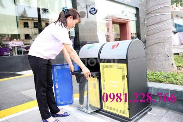 Thùng rác inox 2 ngăn giá rẻ