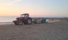 Máy làm sạch bãi biển, máy cào rác bãi biển unicorn