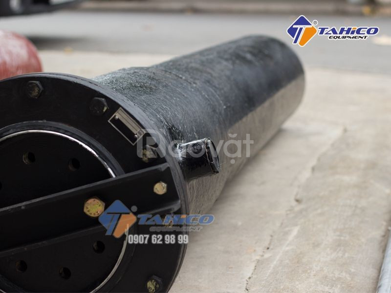Cầu nâng 1 trụ rửa xe ô tô nhâp khẩu SHARK tại Bình Thuận (ảnh 1)