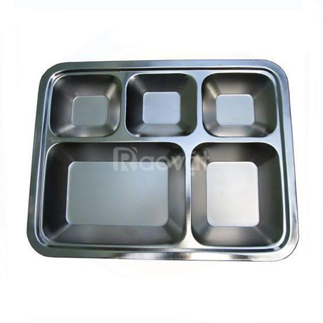 Khay cơm inox 5 ngăn cho trường mầm non giá rẻ ở HCM