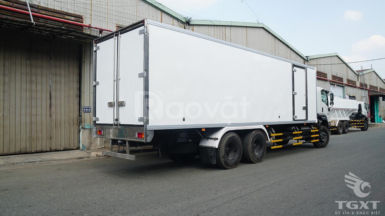 Xe tải Isuzu FVM1500 thùng bảo ôn 14 tấn (ảnh 8)