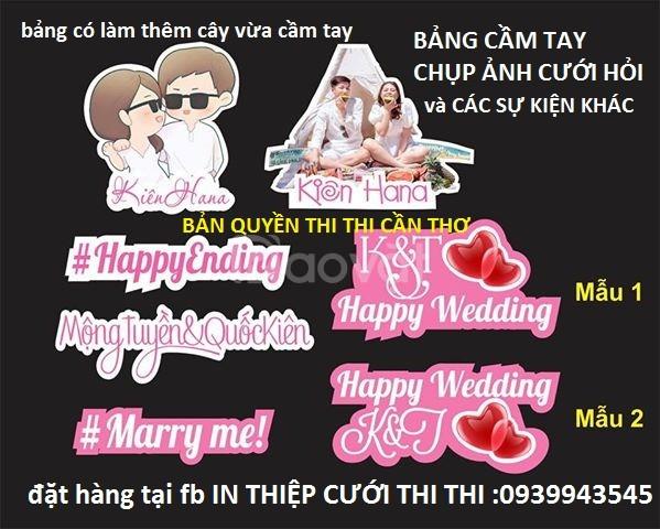Hashtag đám cưới, hastag sự kiện, hatgag cầm tay chụp hình quảng cáo