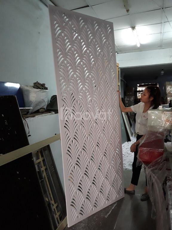 Nhận cắt hoa văn trên tấm nhựa Pima Mica