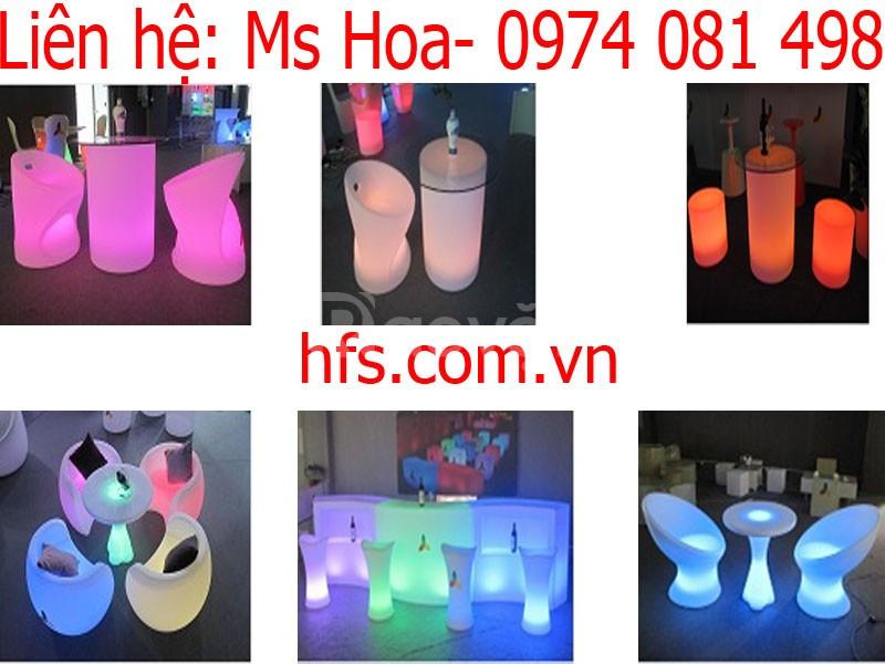 Bàn ghế nhựa cafe phát sáng đổi màu (ảnh 1)