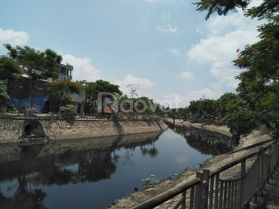 Mảnh 49m2 đất mặt đường bờ sông Sét, Hoàng Mai, ô tô tránh nhau, 5 tỷ