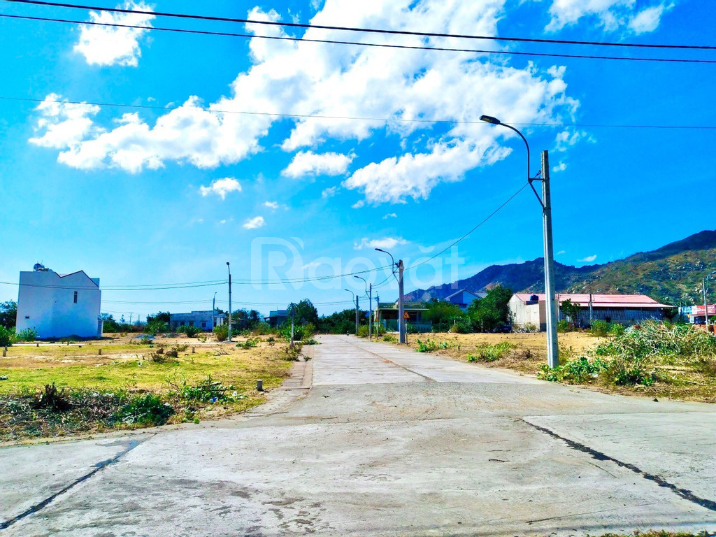 Chính chủ cần bán lô đất nền sổ đỏ gần QL1A biển Cà Ná, Ninh Thuận