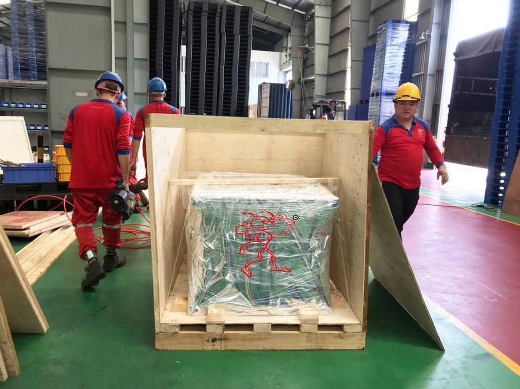 Đóng thùng gỗ chuyển đi các nước phương tây