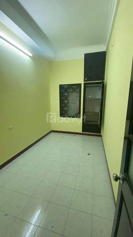 Cho thuê nhà nguyên căn Lý Nam Đế 4 tầng 45m2, 12tr