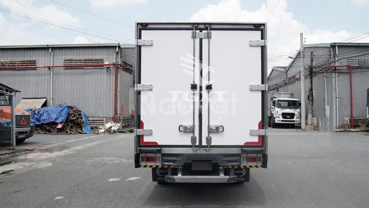 Xe tải Hino XZU730L thùng bảo ôn, tải trọng 4T7 (ảnh 8)