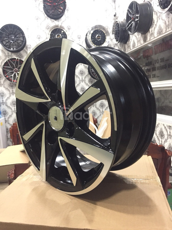 Nơi thay bánh xe mâm đúc 13 inch cho Deawoo Lanos