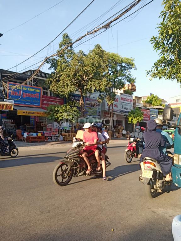 Bán nhà 2 tầng mặt phố Tống Duy Tân, nhà hai mặt tiền, kinh doanh đỉnh