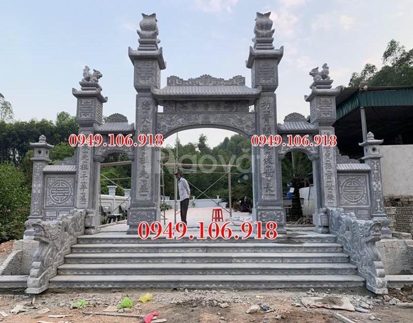 Xây dựng cổng đá nhà thờ họ