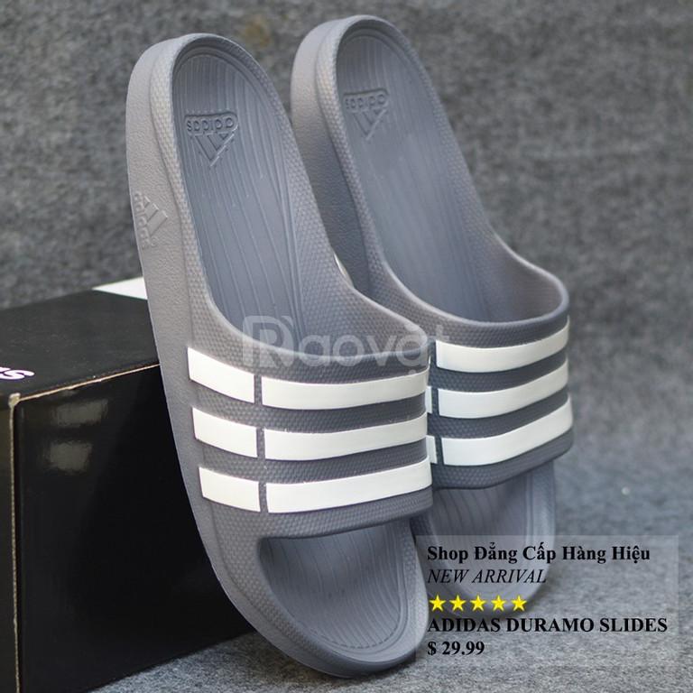 Adidas Duramo màu xám sọc trắng