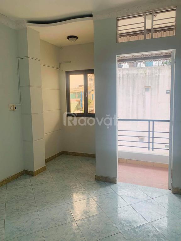 Nhà 47 m2, 3 tầng x 5 phòng ngủ, quận Bình Thạnh