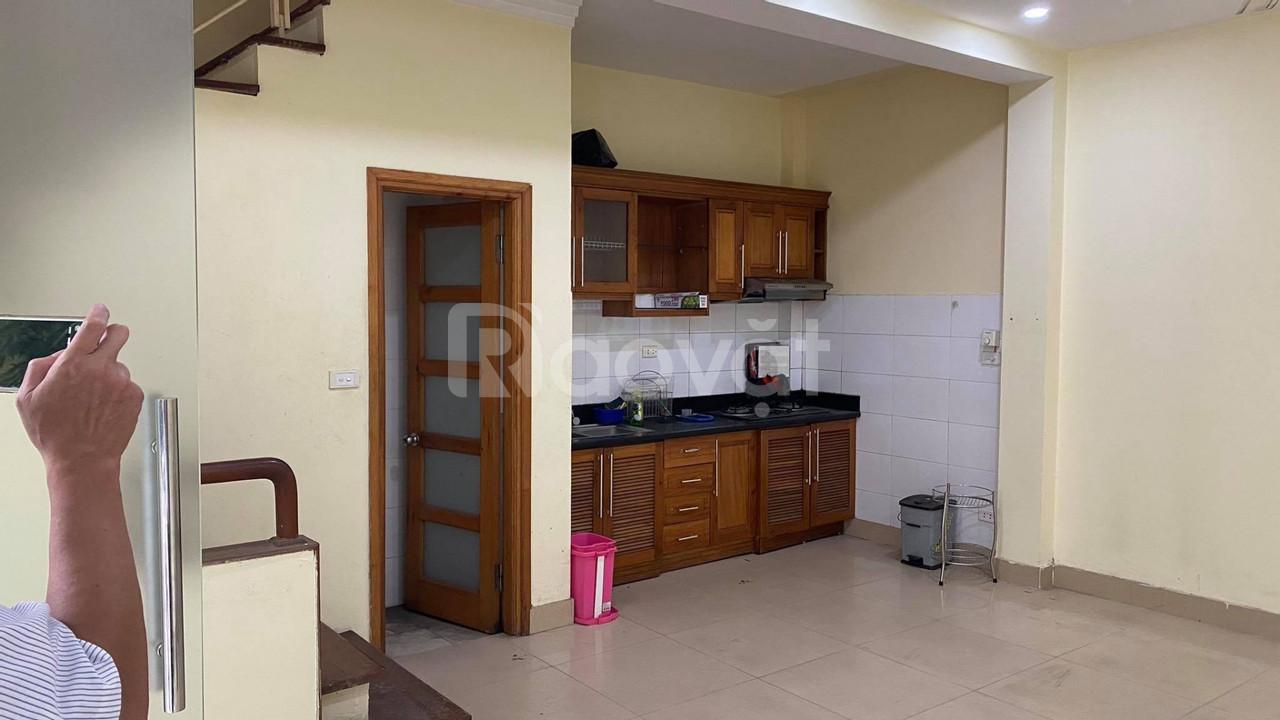 Cho thuê nhà riêng, 5 tầng, 35 m2, ngõ rộng, ô tô đỗ cửa