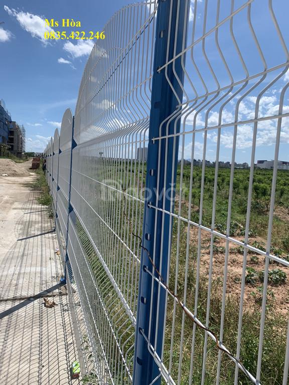 Lưới sắt, lưới thép, hàng rào uốn sóng trên thân